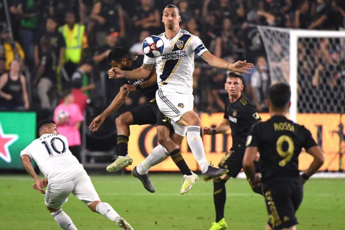 Zlatan-Ibrahimovic-in-azione-nel-derby-di-Los-AngelesGetty-Images