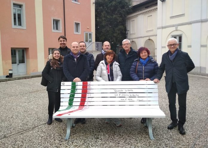 panchina_della_libertá_di_stampa