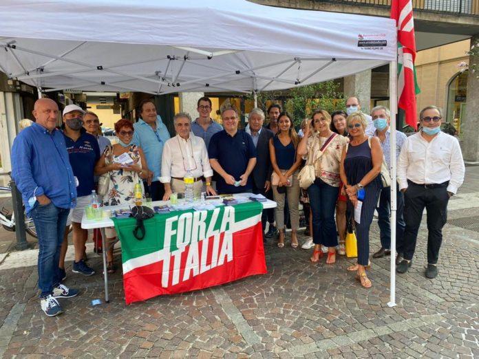 Caliendo-gazebo-forza italia